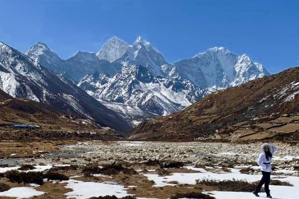 FIU mathematician explores Mount Everest