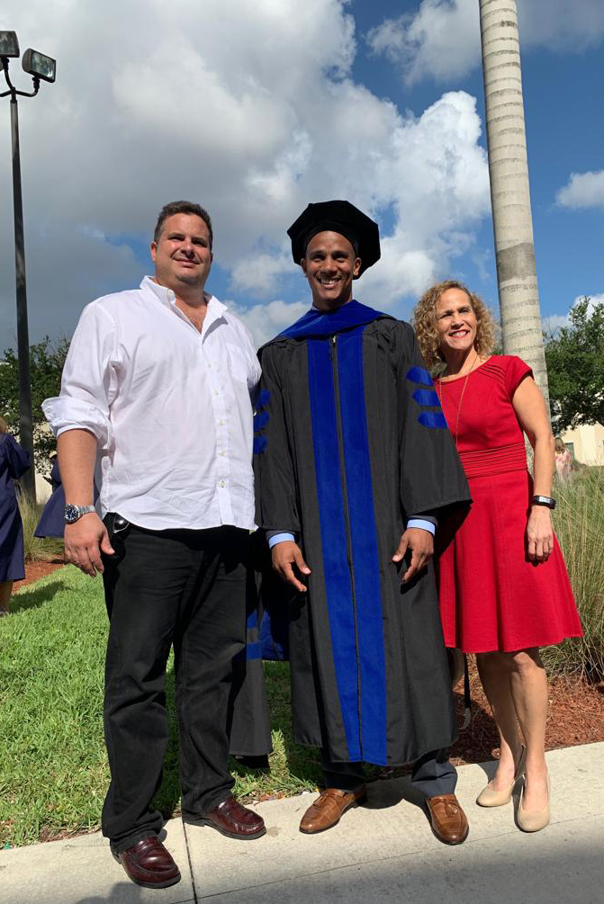 Alan with PhD mentor Dr. Lima (left) and personal mentor Dr. Milagros Delgado