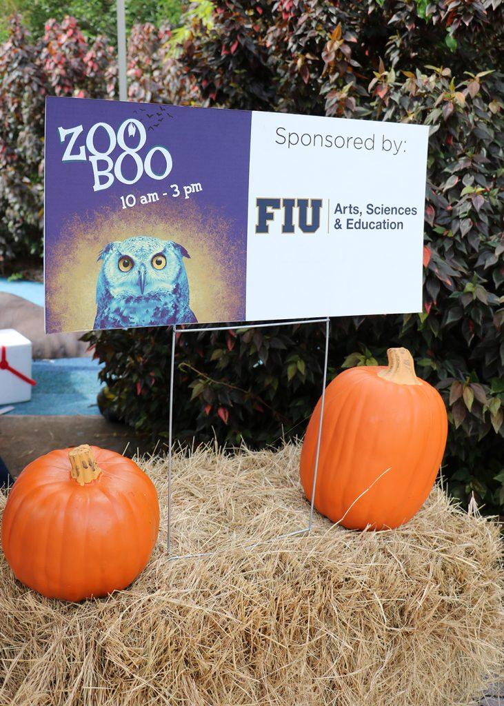 Zoo Boo sign on hay