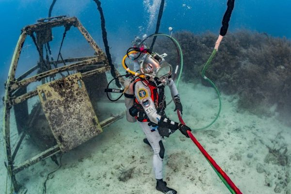 Research on living and working in extreme environments at Aquarius