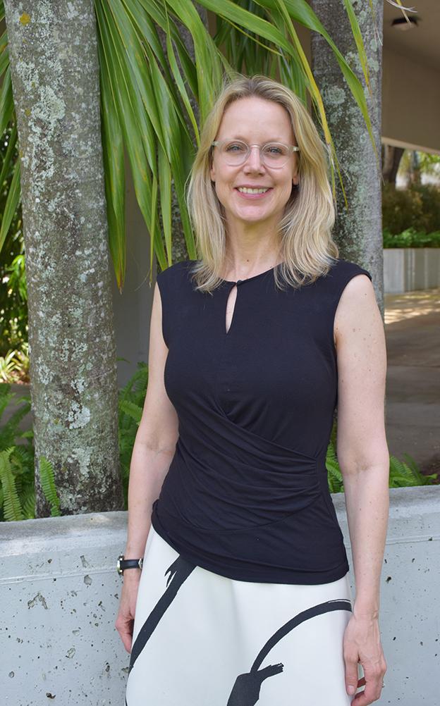 Dr. Nadja S. Compo