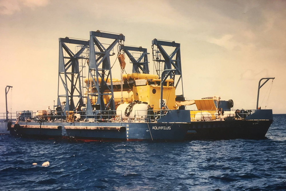 Aquarius sits on the Mobile Support Base prior to deployment in Key Largo