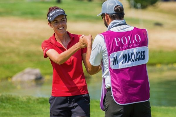 Alumna supports simultaneous mens', womens' golf championship in England
