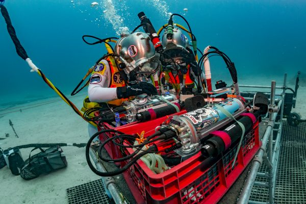 Aquarius helps researchers understand life in extreme environments