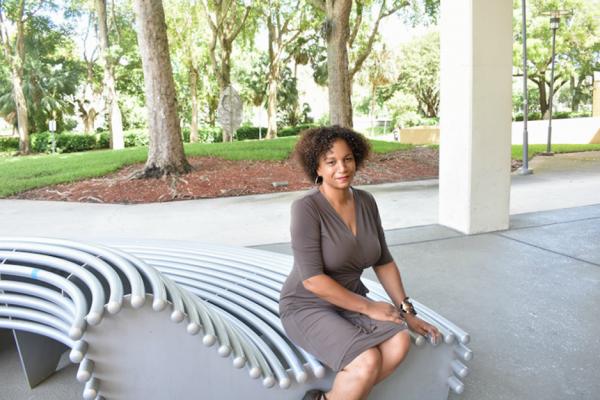 Associate professor awarded American Psychological Associations' Shining Star Award
