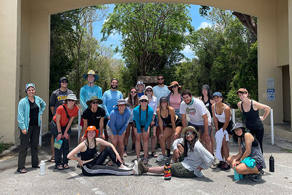 Undergrads across the U.S. join unique coastal environmental research experience at FIU